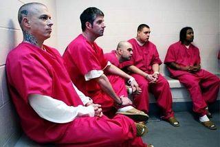 Inmates-wear-pink