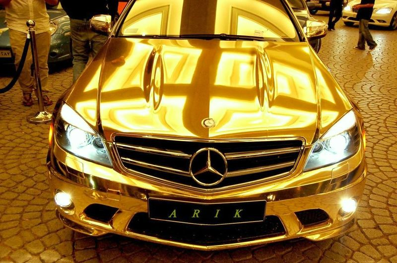 The-gold-mercedes8