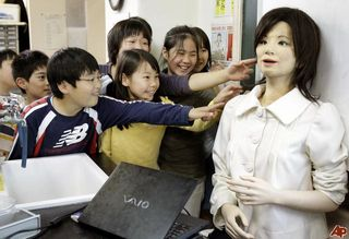 Japan-teacher-robot-2009-5-7-5-50-25